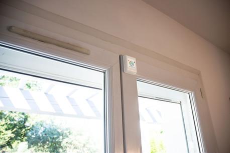 Porte-fenêtre de maison protégée par SQUIDD Home