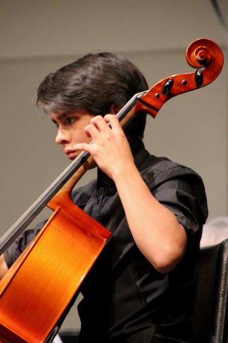 Kusi Quillo, Cello