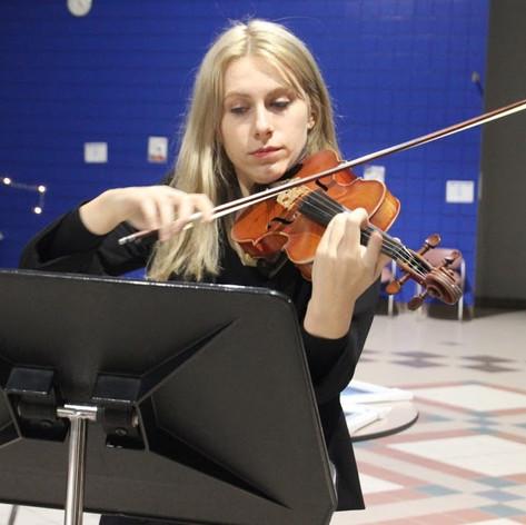 Kendra Sobania, Violin