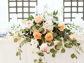 Head table flower bouquet