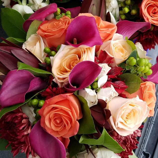 Orange and hot pink bouquet_edited.jpg