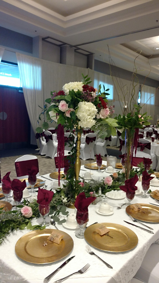 Tall Centerpiece Gold stand