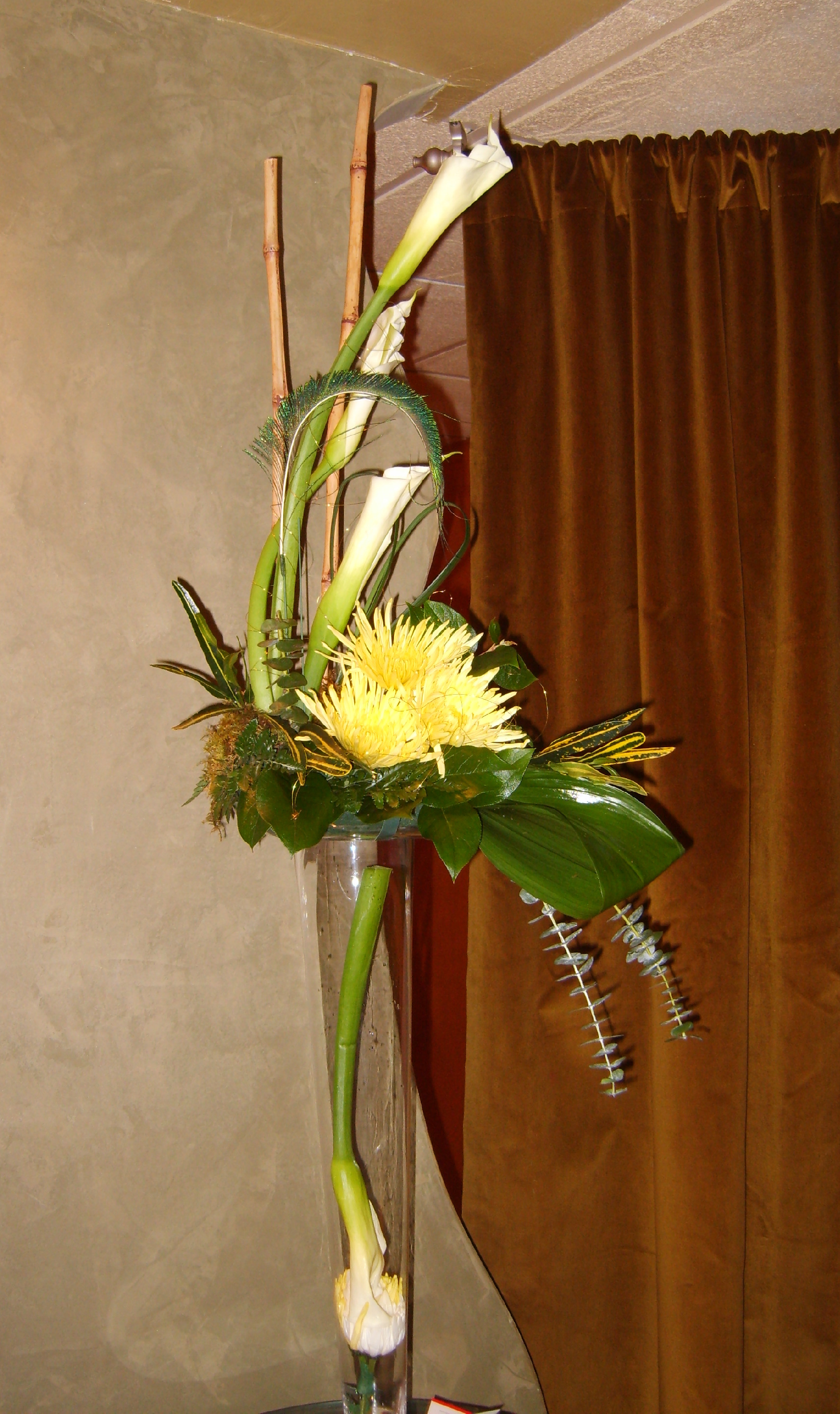 Modern calla liliy corporate arrange