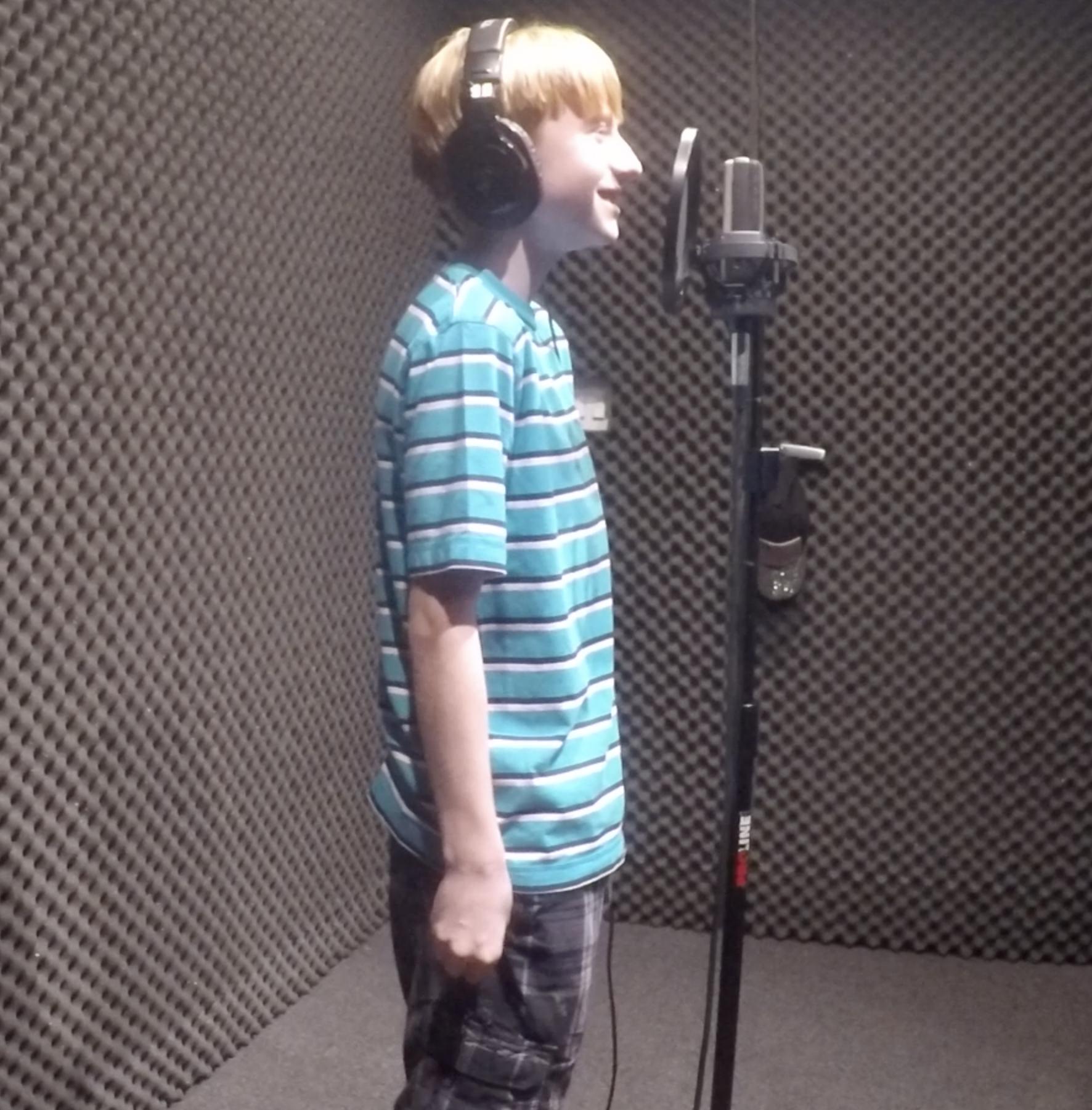 Ashtons sings