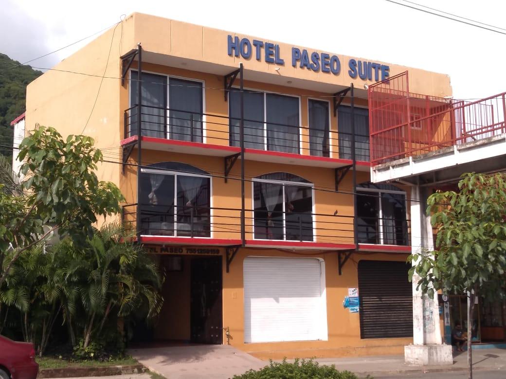 Ven y Disfruta Tus Vacaciones En Zihuatanejo!!!   ~ Hotel Familiar ~ 7 cómodas habitaciones ~ Alberca ~ A solo 5 minutos del Centro de Zihuatanejo y Playas, ~ A 10 minutos de Ixtapa ~ Centrales de Autobuses ~ Tiendas de Autoservicio  RESERVACIONES: Cel. +52 777 363 0933 Cel. +52 755 114 1036 Cel. +52 755 136 0362
