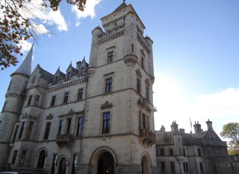 Dunrobin Castle Exterior 2.png