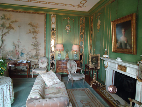 Dunrobin Green and Gold Room 1.png