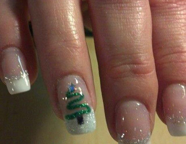 Tip Top Nails and Spa (22).jpg