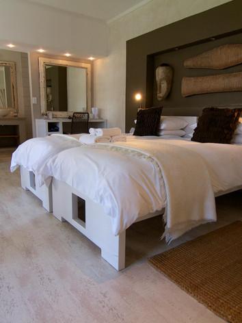 Brigadoon Guesthouse - Twin Room