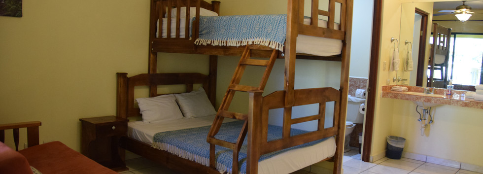 Room 4 double/twin bunk