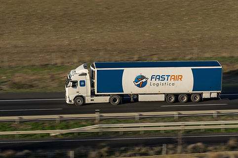 shipping-delivery-FZMPQT2__.jpg