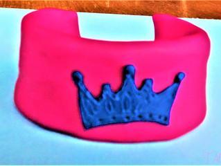 Bracelet: crown