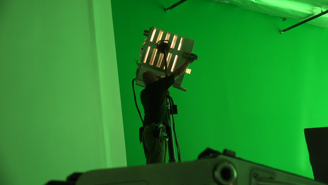 SET LIGHTING BTS INDUSTRIAL VIDEO PRODUCTION.JPG