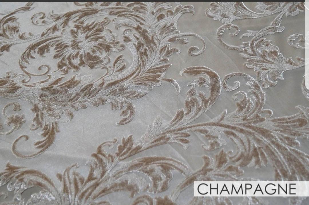 Champagne Victorian Sheer Jacquard 90x156 Banquet
