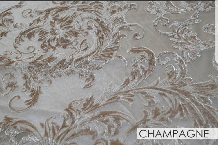 Champagne Victorian Sheer Jacquard 90x156 Banquet