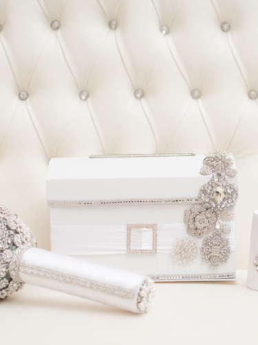 Brooch Bouquet-Card Box-Bouquet Holder