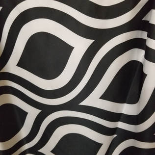 "120"" Round Black/White Groovy Print"
