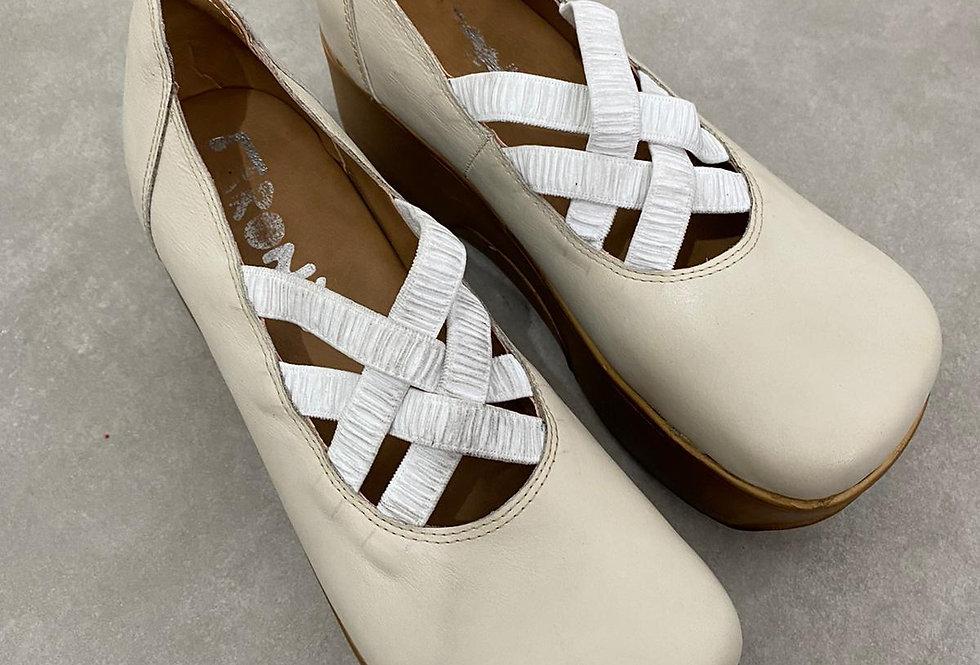נעלי בובה גומיות מידה 41
