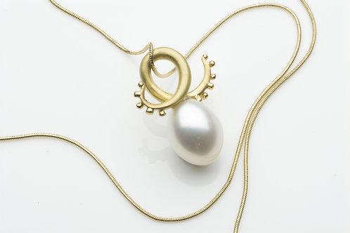 White pearl Tentacle pendant