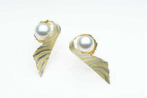 Contours earrings