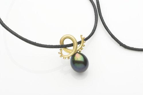 Black pearl Tentacle pendant
