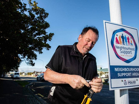 MenzShed member earns award for dedication to Neighbourhood Support