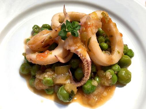 platillo de calamar i pèsols
