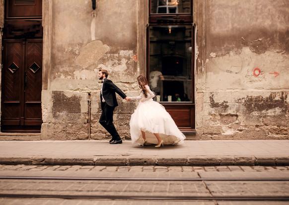 portrait-of-beautiful-wedding-couplejpg