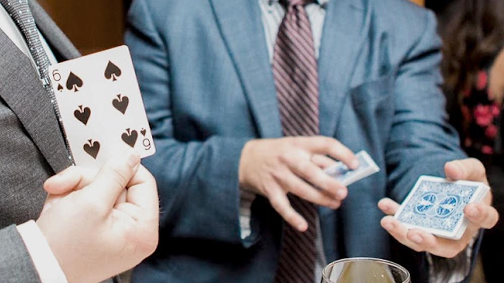 Close up card magic
