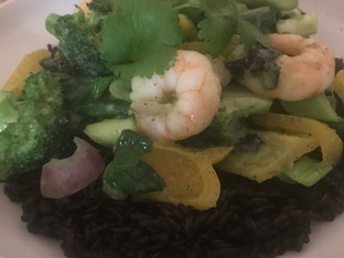 Thai green prawn curry with black rice