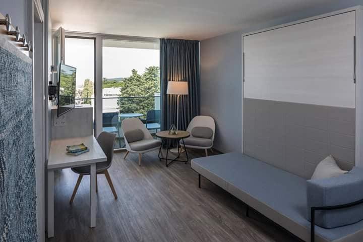 ריהוט לבתי מלון וצימרים- מיטה מתקפלת לבית מלון