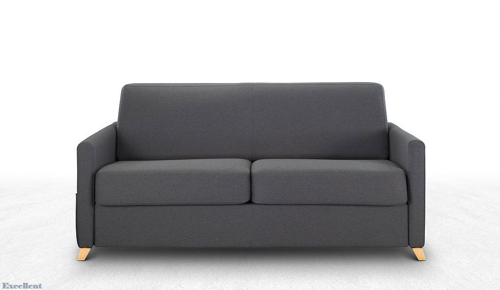 ספה נפתחת למיטה שמספקת גם מקום ישיבה למשפחה במרחב המוגן וגם מקום שינה