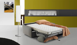 Janis נפתחת /סלון איטלקי עם מיטה