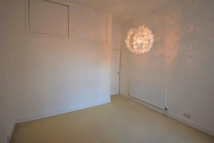 Bedroom 1b.jpg