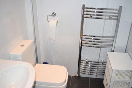 2 Leven - shower room.jpg