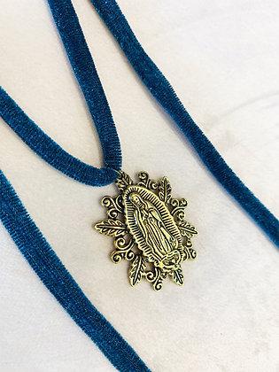 Collar Vírgen Guadalupe Terciopelo Azul