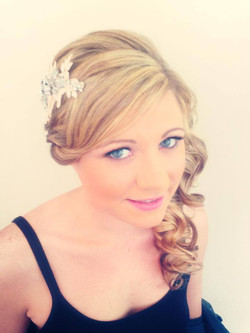 headpiece with side curls