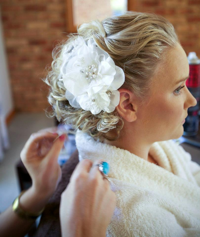 Textured Wedding hairstyle