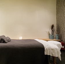 Wholeycow - Massage Room -