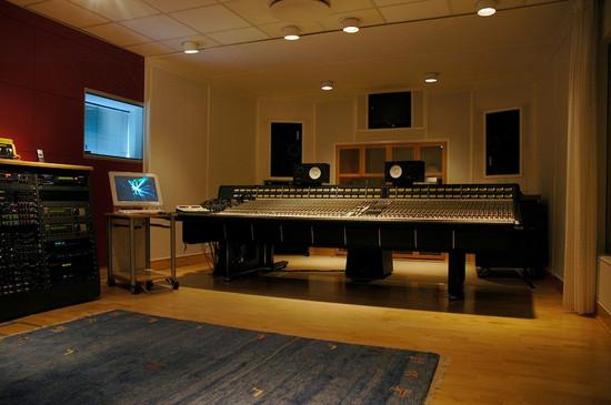 studio1_02.jpg