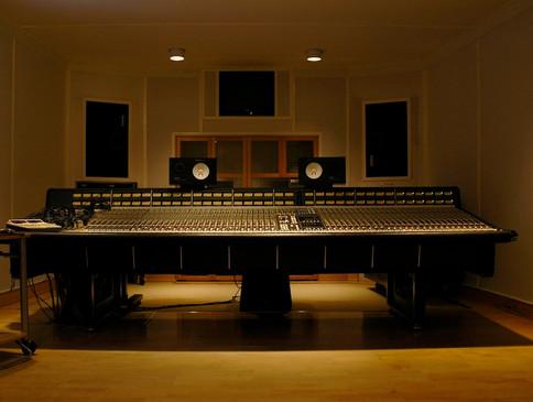 studio1_04.jpg
