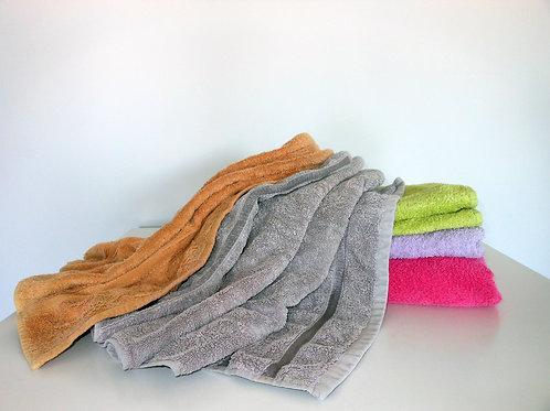 SK07RN (5 kg) -Nekarpyti įvairių spalvų rankšluosčiai