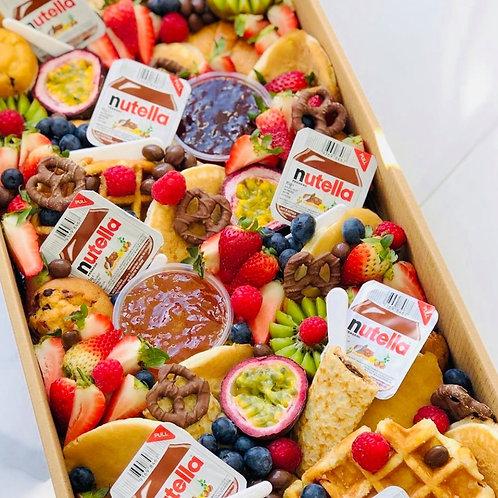 Mega Breakfast Box (4-6)