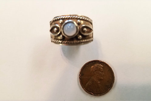 A nice Ellensburg Blue agate  sterling silver ring. A beautiful round blue in th