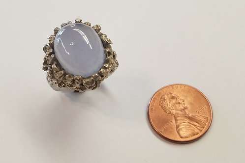 A gorgeous sterling silver ladies ring containing a wonderful Ellensburg Blue ag