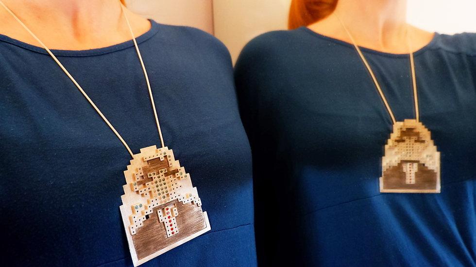 APPLE MAN PIXEL necklace