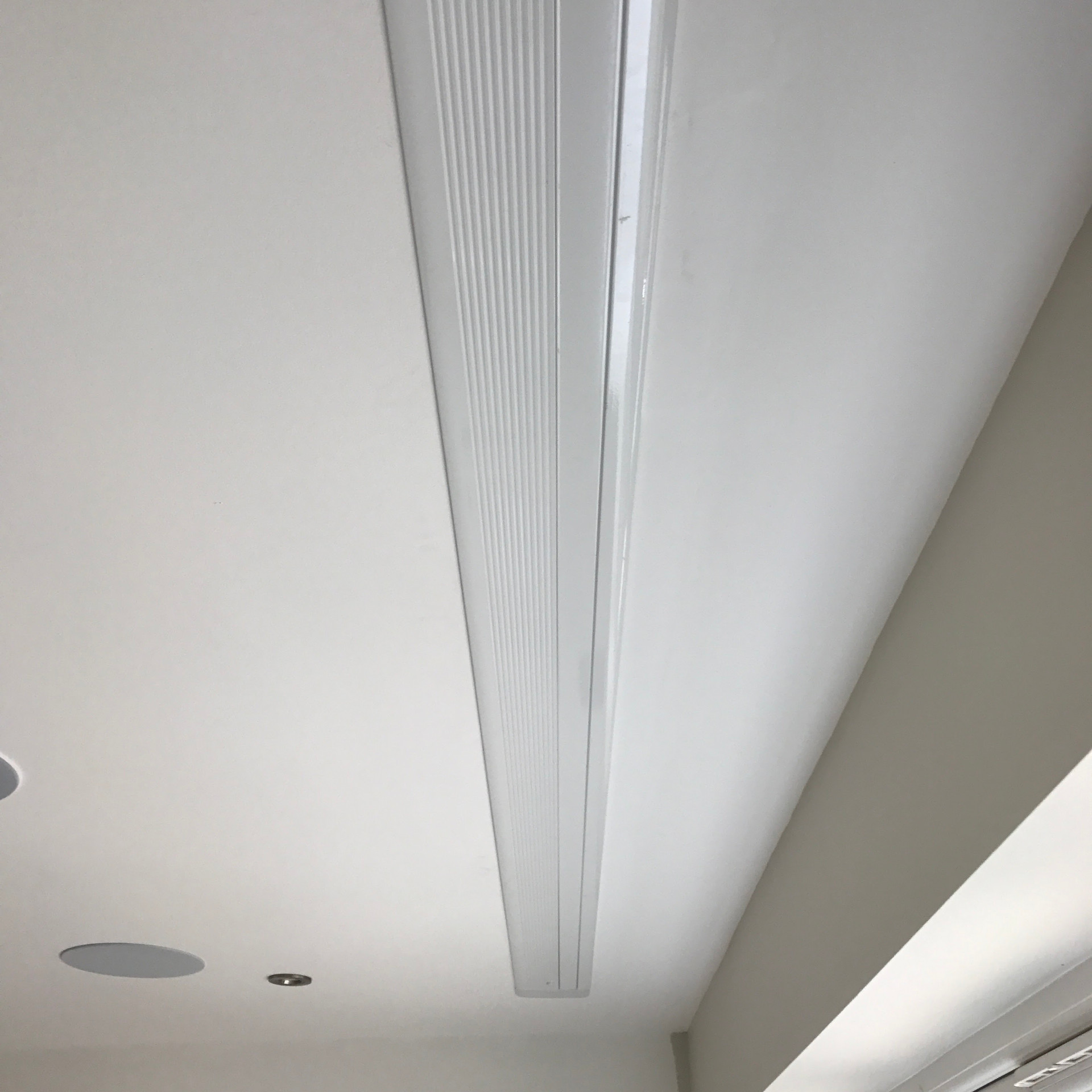 In-Ceiling video projector screen