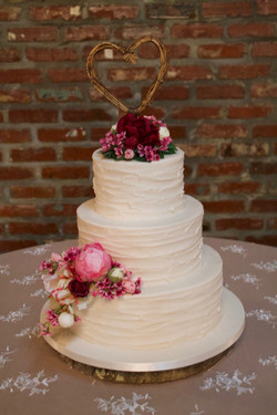 Rustic Buttercream with Fresh Flower