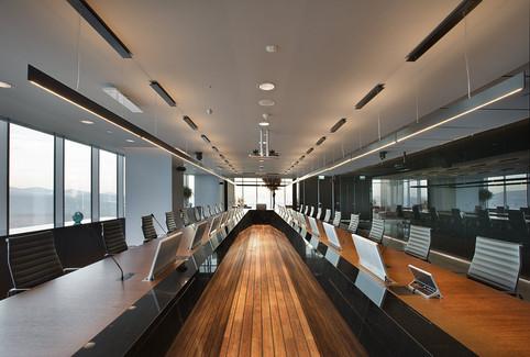 OS_05_board room tfk67_1912b.jpg