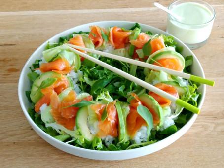 Vihreä sushisalaatti riisillä